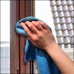 Fensterdichtung abwischen